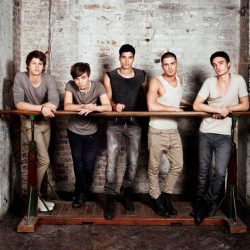 The Wanted leaning