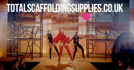 PITBULL J LO LIVE IT UP VIDEO PRODUCT PLACEMENT6