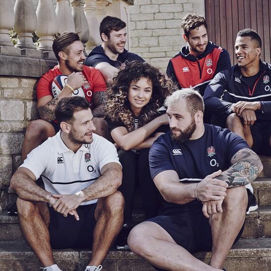 Ella-Eyre-England-Rugby