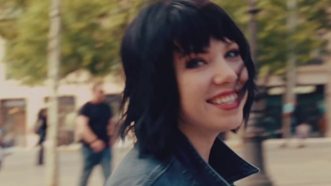 carly-rae-jepsen-run-away-with-me_8681965-13420_1280x720