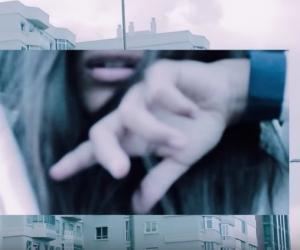 Sofi de la Torre feat Blackbear – 'Flex Your Way Out'