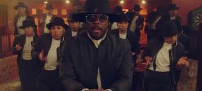 will.i.am feat India Love – 'Fiyah'