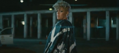 P'!'nk – 'What About Us'